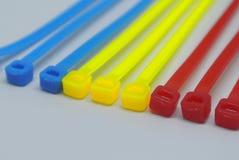 Kolorowa klingerytu kabla krawata patka odizolowywająca na białym tle zdjęcia royalty free