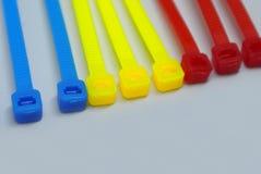 Kolorowa klingerytu kabla krawata patka odizolowywająca na białym tle fotografia royalty free