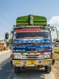 Kolorowa lądowa ciężarówka słuzyć autostradę Dar Es Salaam Obrazy Stock