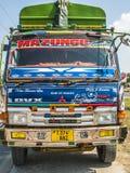 Kolorowa lądowa ciężarówka słuzyć autostradę Dar Es Salaam Obrazy Royalty Free