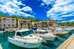 Kolorowa lato sceneria w Makarska miasteczku, Chorwacja zdjęcie stock