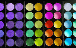 Kolorowa makeup paleta z makeup muśnięciem Zdjęcia Stock