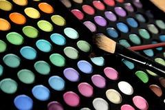 Kolorowa oko cieni paleta z fachowym makeup Zdjęcia Royalty Free