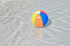 Kolorowa pływackiego basenu piłka Obraz Stock