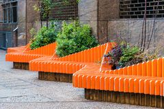 Kolorowa parkowa ławka obrazy stock