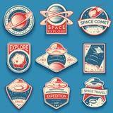 Kolorowa przestrzeń, etykietki, UFO i planety, logowie, odznaki, emblematy Bada misję w przestrzeni ilustracja wektor