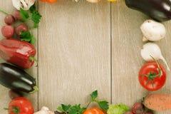 Kolorowa rama robić świezi surowi warzywa Zdjęcie Royalty Free