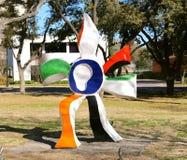 Kolorowa statua przy Kimball muzeum sztuki Fort Worth, Teksas Zdjęcia Stock