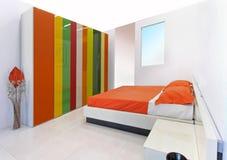 Kolorowa sypialnia Zdjęcia Royalty Free