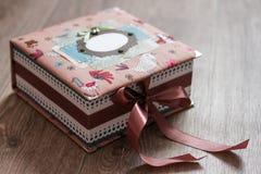 Kolorowa szkatuła handmade A zdjęcie stock