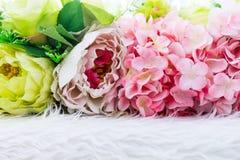 Kolorowa sztucznych kwiatów tekstura, tło Zdjęcia Royalty Free