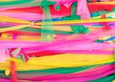 Kolorowa Tajlandzka stylowa tkanina która wiązał wokoło wielkiego drzewa Obraz Royalty Free