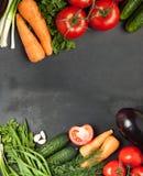 Kolorowa warzywo rama, zdrowego karmowego concept/odgórny widok Fotografia Royalty Free