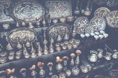Kolorowe ceramiczne pamiątki dla sprzedaży na ulicie w Starym miasteczku Mo Zdjęcia Stock