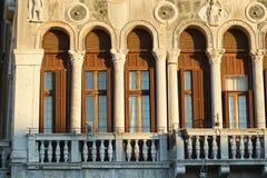 Kolorowe fasady starzy średniowieczni domy w Wenecja Zdjęcia Stock