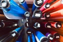 Kolorowe folie w przechowalni reklamowego materiału agencja zdjęcie stock