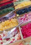 Kolorowe galarety na Wprowadzać na rynek stojaka Zdjęcie Royalty Free