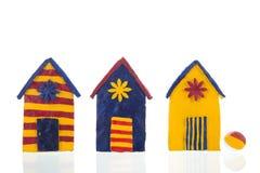 Kolorowe handmade plażowe kabiny zdjęcia stock