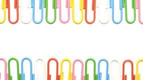 Kolorowe klamerki odizolowywać Obrazy Royalty Free