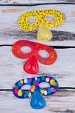 Kolorowe maski dla dzieciaków urodziny lub kostiumu przyjęcia fotografia stock