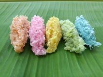 kolorowe organicznie tajlandzkie pustynie zrobią od cononut, cukieru i kwiatu zapachu, Fotografia Royalty Free