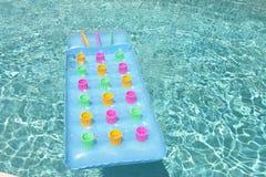 kolorowe pływający basen tratwy opływa Obraz Stock