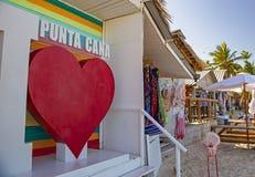 Kolorowe pamiątki w Punta Cana plaży, republika dominikańska zdjęcie stock