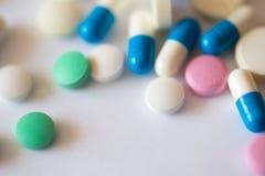kolorowe pigułki Zdrowie i medycyna Obraz Stock