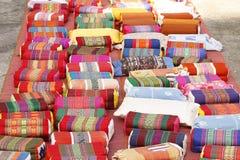 Kolorowe poduszki na stopie Fotografia Stock