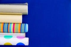 Kolorowe rolki opakunkowy papier Fotografia Stock