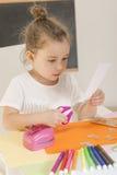 kolorowe rzemioseł samochodowego zielonego światła domu dzieci makro papierowe zrobić ołówki czerwony nożyczki strzał Obraz Royalty Free