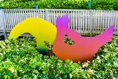 Kolorowe sylwetki denni lwy przy Seaworld parkiem tematycznym zdjęcia royalty free