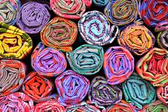 Kolorowe tkanin rolki Fotografia Royalty Free