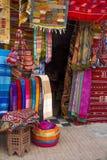 Kolorowe tkaniny na Agadir wprowadzać na rynek w Maroko Fotografia Royalty Free
