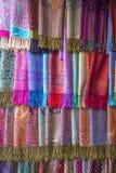 Kolorowe tkaniny na Agadir wprowadzać na rynek w Maroko Zdjęcia Stock