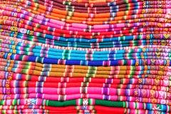 Kolorowe tkaniny w Boliwia Obrazy Stock