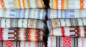 Kolorowe tkaniny z tradycyjną Bułgarską broderią Zdjęcia Stock