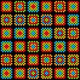 Kolorowego babcia kwadrata szydełkowy powszechny ornament na czarnym, wektor ilustracji