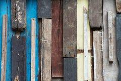 Kolorowego grunge drewniana ściana Zdjęcia Royalty Free