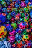 Kolorowego Meksyka?skiego Ceramicznego czaszka dnia Nie?ywy r?kodzie?o Oaxacas Juarez Meksyk fotografia stock