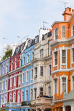 Kolorowi budynki w Notting wzgórzu Londyn fotografia stock