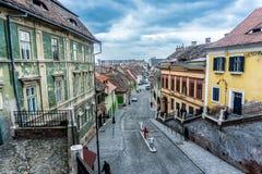 Kolorowi budynki w Transylvania, Rumunia fotografia royalty free