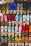 Kolorowi buty w souk, Dubaj, Zjednoczone Emiraty Arabskie fotografia royalty free