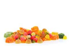 Kolorowi cukierki i galareta odizolowywający na białym tle Fotografia Royalty Free