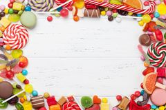 Kolorowi cukierki Lizaki i cukierki zdjęcie stock