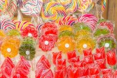 Kolorowi cukierki przy rynkiem Obrazy Stock
