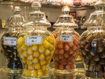 Kolorowi cukierki przy Szwedzkim cukierku sklepem fotografia royalty free