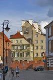 Kolorowi domy blisko forteca ściany w starym miasteczku w Warszawa Obrazy Stock