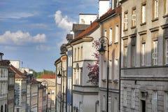 Kolorowi domy blisko forteca ściany w starym miasteczku w Warszawa Obraz Royalty Free