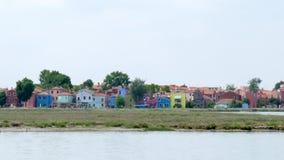 Kolorowi domy i sławny koślawy dzwonkowy wierza od strony statek zbiory